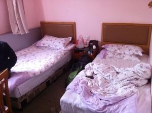 我的队员曹振海和刘亚鲁住的房间
